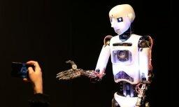 Rīgā atklāj starptautisku robotikas izstādi Robotu balle