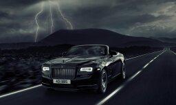 Vistumšākais melnais tonis auto industrijā – 'Rolls-Royce' kabriolets 'Black Badge' versijā