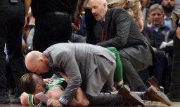 """ВИДЕО: Форвард """"Бостона"""" Гордон Хэйворд получил жуткую травму в первом матче чемпионата НБА"""
