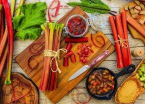 Рецепты недели: тарты, крамблы, маффины и другие сладости из обыкновенного ревеня