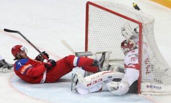 Video: Kuzņecovam fantastisks 'gols' Krievijas uzvarā pret Šveici