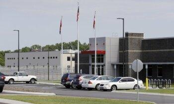 ASV likvidē privāto cietumu biznesu