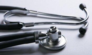 Врач Резекненской больницы, выписавший пациентку с инсультом, три года назад мог лишиться сертификата