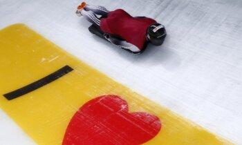 Ledus uzkarst: olimpisko sezonu iesāk bobslejisti un skeletonisti