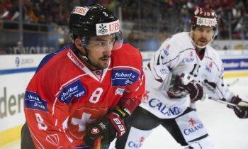 Rīgas 'Dinamo' piedzīvo smagu zaudējumu Šveices izlasei Špenglera kausa atklāšanas spēlē