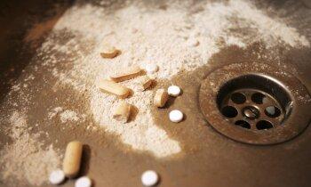 Kādu liepājnieku lūdz apsūdzēt par 380 psihotropo tablešu iegādi un glabāšanu
