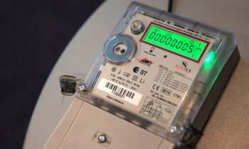 Iedzīvotāji neapmierināti ar jaunajiem elektrības rēķiniem; 'Sadales tīkls' skaidro izmaiņas