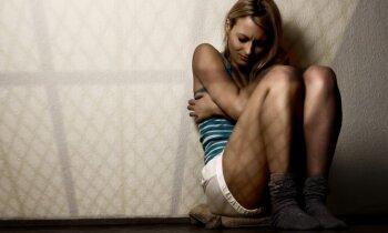 Divi ziņojumi par vardarbību dienā: palīdzību meklē biežāk, to darīt joprojām nav viegli