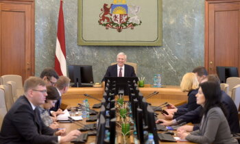 Apsver valsts kapitālsabiedrības veidošanu Rīgas un Ventspils ostu pārraudzībai (plkst. 18.03)