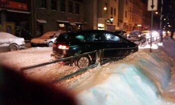 Sniega haoss Latvijā - avārijas, sastrēgumi un cilvēku sajūsma. Rīta aktualitātes