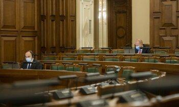 Opozīcijai neizdodas pārliecināt koalīciju atlikt sociālo iemaksu reformu
