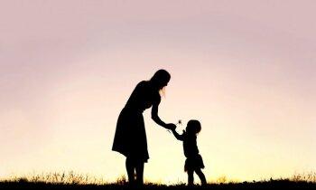 Veiksmes stāsts: Samantai prognozēja pusgada dzīvildzi, tagad meitenīte iet parastā bērnudārzā