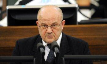 Par iespējamu spiegošanu Krievijas labā Saeima ļauj veikt kratīšanu pie Ādamsona un viņu apcietināt (plkst. 10.25)