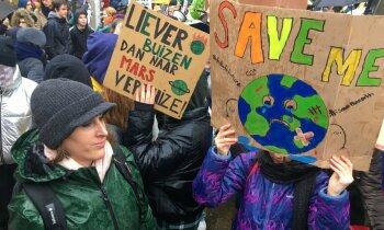 'Delfi' Briselē: kopā ar klimata aktīvisti Grētu streikotāji pieprasa reālu rīcību