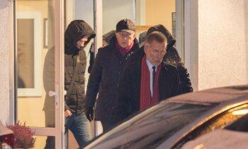 Video: Latvijas Bankas prezidentu Rimšēviču naktī aizved KNAB vīri