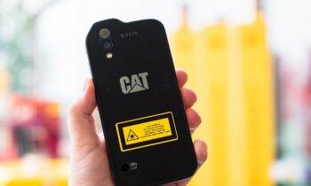 Foto: Latvijā oficiāli uzsākta jaunākā 'CAT' viedtālruņa tirdzniecība