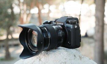 Foto un pirmie iespaidi – jaunā 'Fujifilm' bezspoguļa kamera 'X-H1'