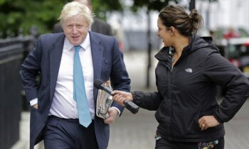 'Brexit' kampaņas seja Boriss Džonsons kļūst par ārlietu ministru