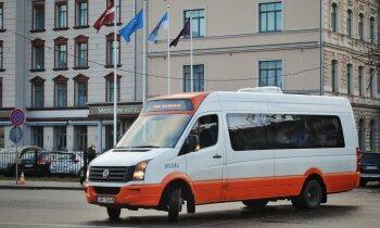 Atlaides sabiedriskajā transportā atceltas arī klātienē strādājošajiem darbiniekiem