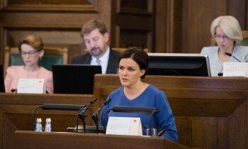 Par kolēģa aizskaršanu deputātei Stepaņenko izsaka rakstveida brīdinājumu