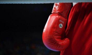 Video: DĀR bokseris Tete veic ātrāko nokautu titulcīņu vēsturē