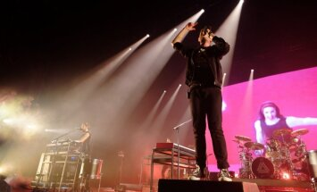 Foto: Britu indie pop grupa 'Bastille' pieskandē 'Arēnu Rīga'