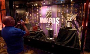 Lasvegasas 'Golden Knights' savu izcilo debijas sezonu noslēdz ar četrām NHL balvām