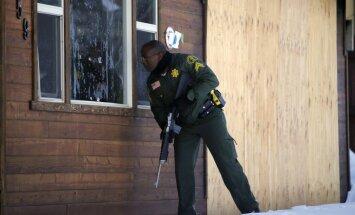 Losandželosa piedāvā miljonu dolāru par ekspolicistu - trīs cilvēku slepkavu