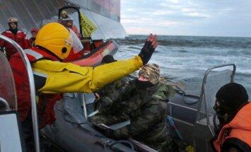 Krievu robežsargi Arktikā arestējuši 'Greenpeace' aktīvistus