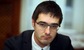 Grib aizrotēt TM valsts sekretāru Lazdovski