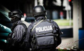 Kaušļi, bandīti un seksa tirgoņi – grupējumi, ko šogad notvērusi policija