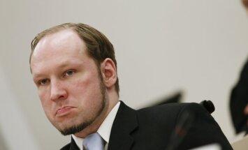 Norvēģijas tiesa cietumā izskatīs Breivika sūdzību par turēšanu izolācijā