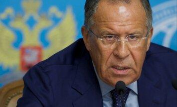 Rietumi ar sankcijām vēlas pārveidot Krieviju, nevis risināt krīzi Ukrainā, paziņo Lavrovs