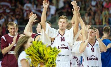 Latvijas basketbolisti neticami izrauj uzvaru pār zviedriem