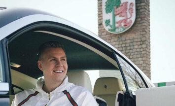 Foto: Kristaps Porziņģis ieradies Latvijā