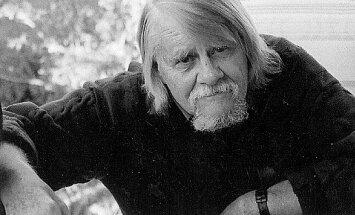 Miris ievērojamais latviešu literatūrzinātnieks Rolfs Ekmanis