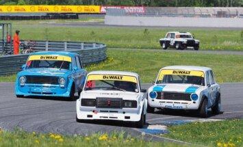 Ar karstām cīņām Pērnavā aizvadīts Baltijas autošosejas čempionāta un Dzintara apļa posms