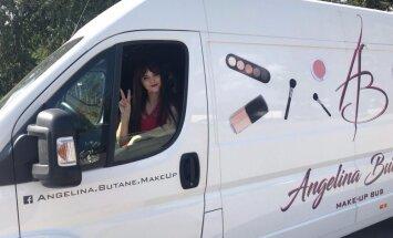 Brunete pie ruļļiem: stāsts par mobilā skaistumkopšanas salona tapšanu