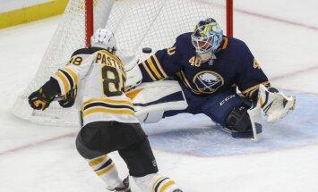 Girgensona Bufalo 'Sabres' NHL sezonu iesāk ar 'sauso' zaudējumu Bostonas 'Bruins'