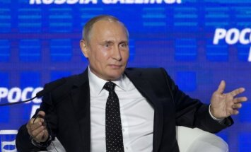 Российские СМИ: образ внешнего врага упрочит позиции Путина