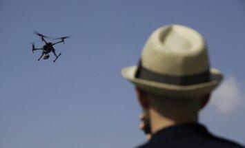 Kanādā drons ietriecies pasažieru lidmašīnā