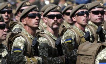 Karā Ukrainas austrumos piedalījušies vairāk nekā 300 000 cilvēku