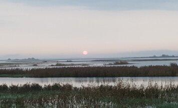 Foto: Krāšņs saullēkts virs Lubānas ezera