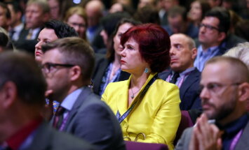 Cīņā par ekonomikas ministra amatu savas intereses bīdījuši partijas sponsori, pieļauj Āboltiņa