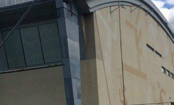 Aizdedzies Vidzemes Olimpiskā centra jumts