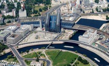 Pie Berlīnes dzelzceļa stacijas atrasta nesprāgusi britu aviobumba