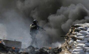Спецоперация на востоке Украины продолжается; в России заговорили о миротворцах
