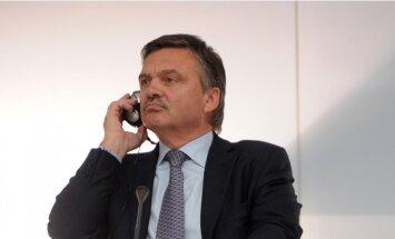 Fāzels nolēmis atstāt IIHF prezidenta amatu 2020. gadā