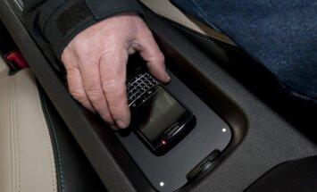 Avāriju fiksēšanai autovadītāji izvēlas izmantot mūsdienu tehnoloģijas