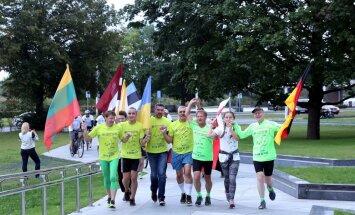 Foto: Pie Gaismas pils noslēdzas Brīvības labdarības skrējiens